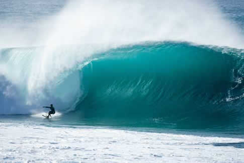 Pipeline_hawaii_2008